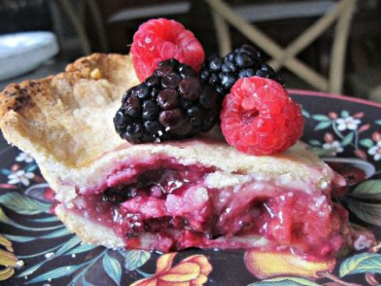 Suburban Sweets: Peach and Berries Pie