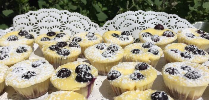 Suburban Sweets: Tiny Lemon-Blueberry Cheesecakes