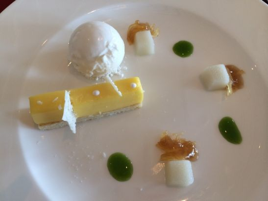 Bocuse lemon cake