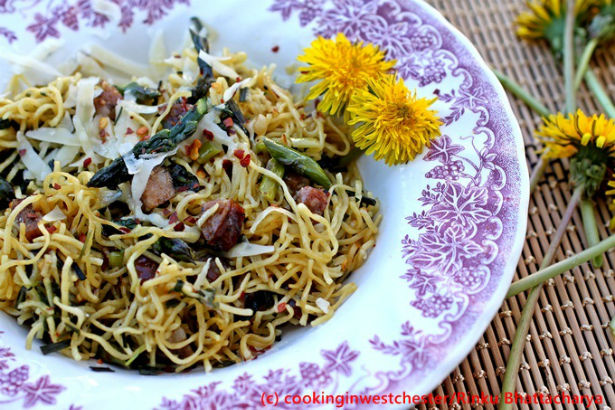 ... » Cooking » Spicy Pasta with Garlic, Dandelion Greens and Sausage