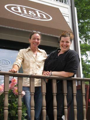 Eileen Zidi and Hannah Hopkins