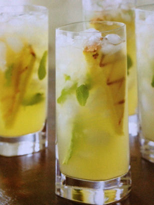 Grilled Pineapple Mojito 1