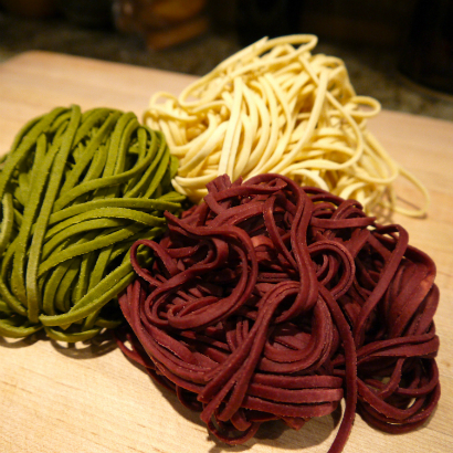 Fresh pasta, beet, spinach and plain.