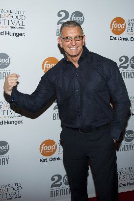 chef robert irvine of restaurant impossible visits ridgefield playhouse