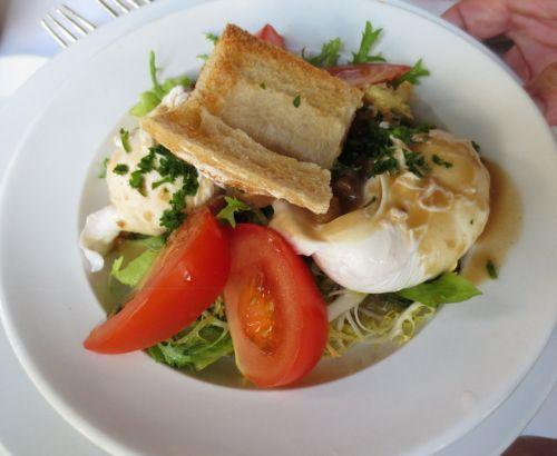 A la biche au bois poached egg salad